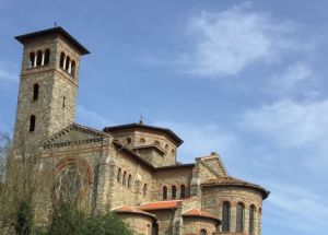 - chapelle du lycée Saint-Vincent-de-Paul par Henri Mellet         ©Wikipedia (Naufalle Al Wahab)